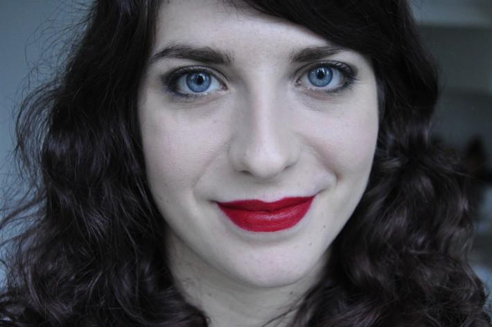 milani_lipstick_matte_confident_swatch