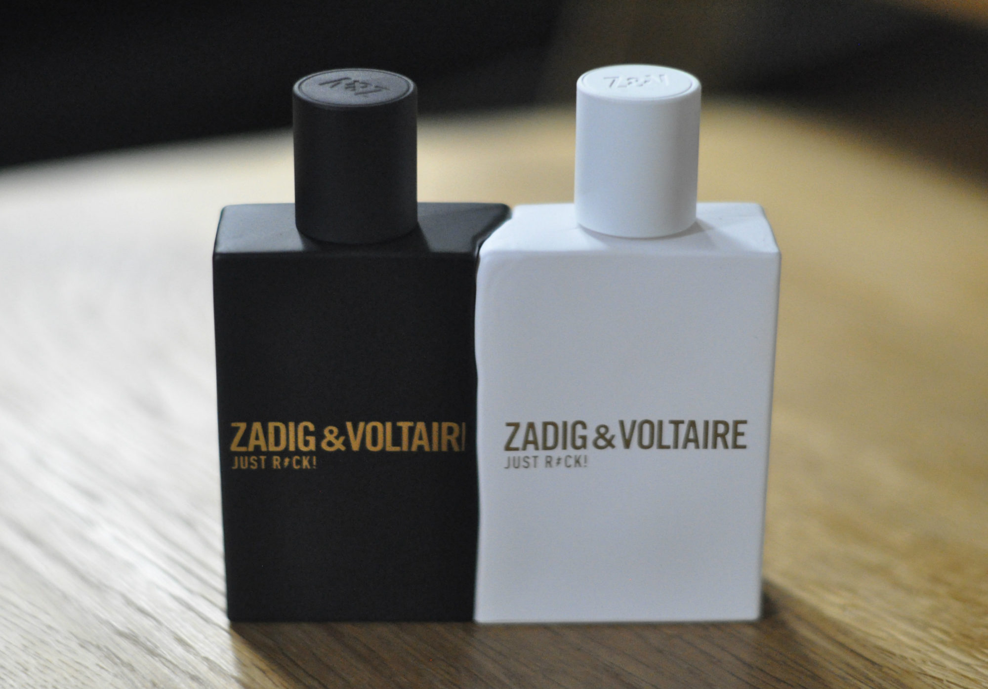 les nouveaux parfums de zadig voltaire just rock for her for him r glisse myrtilles. Black Bedroom Furniture Sets. Home Design Ideas